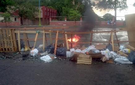 saqueos-tucuman-vecinos-barricadas
